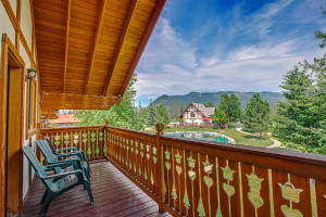 Great Northern Resort - Family Lodges & Suites :: Rental cabins, suites and chalets. Kids love the energy of getting wet on the river. Enjoy whitewater, kayak & scenic float trips, guided fly-fishing & horseback rides.